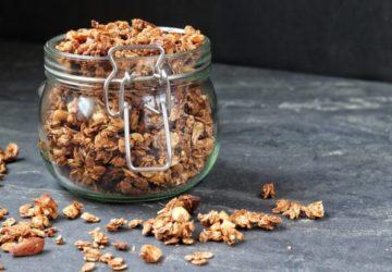 veganes Schoko-Knusper-Granola Knuspermüsli Frühstück
