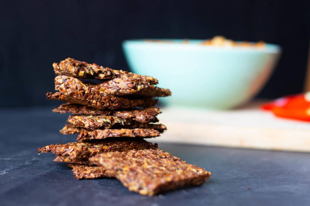 glutenfreie Zucchini-Cracker mit Leinsamen Rezept vegan low carb