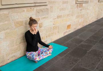 Nadi Shodana - So lernst du die Wechselatmung des Pranayama (Anleitung)