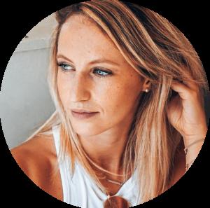 Wie Yoga dein Leben verändern kann - 7 Experten berichten Julia